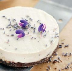 LAVENDER CHEESECAKE! this recipe is so perfect. featured in our book EVERYDAY RAW DESSERTS it&#8217