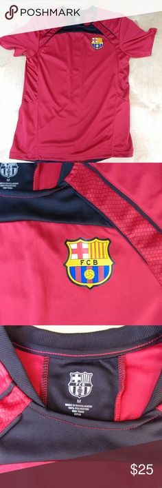 Men Barca short sleeve jersey Used a few times, perfect condition, bought outside CAMP Nou  Medium Shirts Tees - Short Sleeve