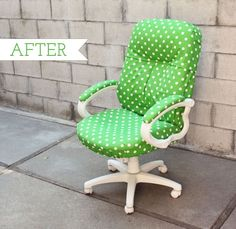 Chic and colorful desk chair makeover Office Chair Makeover, Furniture Makeover, Diy Furniture, Refurbished Furniture, Furniture Dolly, Upholstered Furniture, Office Furniture, Colorful Desk, Do It Yourself Baby
