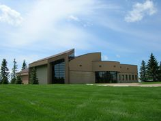 Designed by architect Joseph Pettick (1924-2010), the Yorkton Memorial Gardens Family Centre provides an comforting and peaceful space to hold memorial gatherings, funerals, receptions and celebrations of life.