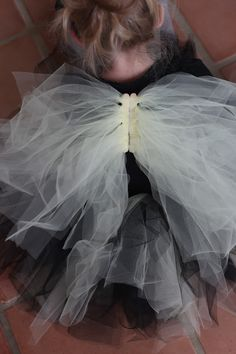 DIY wings from tulle and popcicle sticks - sweet!