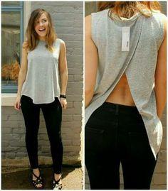 Blusa gris con abertura atrás
