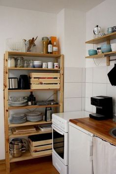 The Best of Little Apartment Kitchen Decor - Best Decoration ideas Kitchen Decor Apartment, Kitchen Decor, Kitchen Remodel Small, Kitchen Remodel, Home Kitchens, Kitchen Design, Kitchen Interior, Apartment Kitchen, Apartment Decor