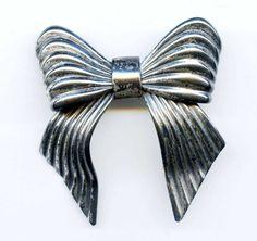 Vintage 1940s Napier BOW Silver Brooch Pin 3D #Napier