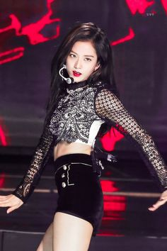 The sexiness jumped out and STEPPED on my throat Blackpink Outfits, Stage Outfits, Kpop Girl Groups, Korean Girl Groups, Kpop Girls, Blackpink Jisoo, Black Pink ジス, Blackpink Members, Pink Vans