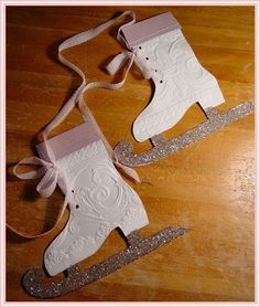 §§§ : Victorian ice skate pattern