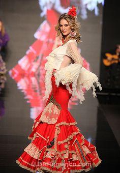 Fotografías Moda Flamenca - Simof 2013 - AURORA GAVIÑO & MARY PAZ Más Gaviño que nunca! - Foto 01