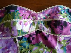 """""""Sewing a Boned Bodice With Plastic Boning"""" vogue 1174 common thread project. sewaholic.net <--very straight forward instructions. She makes it sound like it isn't too difficult. It's also part of a series, so I can't wait to check out the rest :) :) :)"""