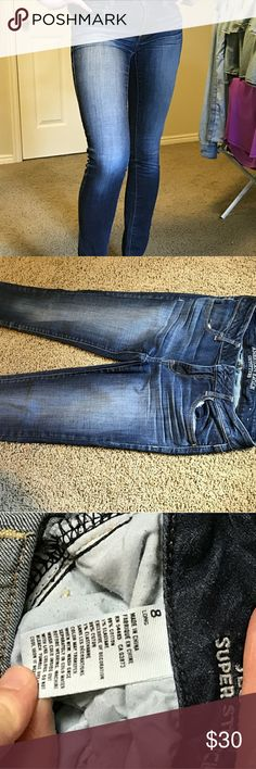 American Eagle Denim Jeggings Super cute brand new AEO denim jeggings. Worn once. Lighter wash on front. Open to offers. American Eagle Outfitters Jeans Skinny