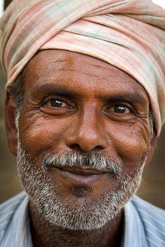 Old Man: Ho camminato la mia vita cercando sempre in ogni persona la scintilla di Dio...............I have walked my life always looking in every person the spark of God....
