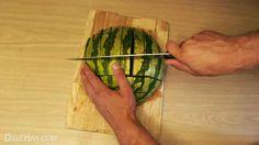 die besten 25 wassermelone schneiden ideen auf pinterest eine wassermelone schneiden melone. Black Bedroom Furniture Sets. Home Design Ideas