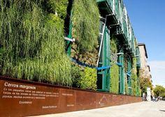 Arquitectura y Paisaje: Jardín Vertical del Palacio de congresos de Vitoria-Gasteiz por Urbanarbolismo y Unusualgreen