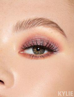 Eyeshadow Single in Blizzard | Kylie Cosmetics Crazy Eyeshadow, Eyeshadow Tips, Eyeshadow Makeup, Burgundy Eyeshadow, Burgundy Makeup, Eyeshadow Palette, Maroon Makeup, Everyday Eyeshadow, Liquid Eyeshadow