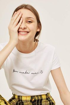 Open Shoulder Print Long Sleeve T-Shirts Look Fashion - Slogan T Shirt - Ideas of Slogan T Shirt - Topshop You Make Me Smile Slogan T-Shirt Slogan Tshirt, T Shirt Diy, Simple Shirts, Cool T Shirts, Fashion Slogans, T-shirt Broderie, Look Boho Chic, Geile T-shirts, Topshop