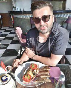 Ziua buna...cu omleta se cunoaste 😄 www.doctorlazarescu.ro #me #doctor #helthy #goodmorning #omelette #breakfast #weekend #gooday @doctor_lazarescu_marius