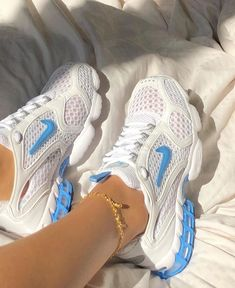 Dr Shoes, Swag Shoes, Nike Air Shoes, Hype Shoes, Me Too Shoes, Shoes Sneakers, Shoes Heels, Sneakers Women, Shoes Women