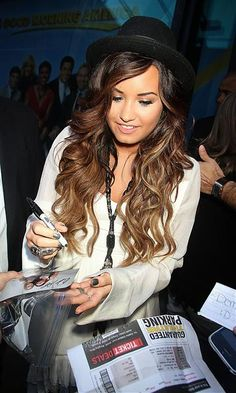 ombre hair...love everything about it: colors, cut and length! summer '12