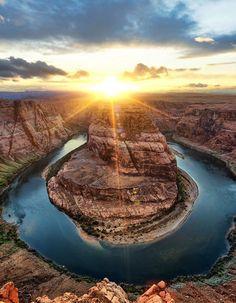 O maravilhoso trabalho do fotógrafo que viaja o mundo em busca do sol perfeito –…