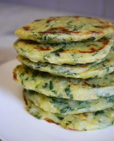 Spinach polenta patties - How I changed my life can find Polenta and more on our website.Spinach polenta patties - How I changed my life Raw Food Recipes, Vegetarian Recipes, Healthy Recipes, Healthy Soup, Soup Recipes, Diet Recipes, Spinach Pancakes, Lunch To Go, Food Videos