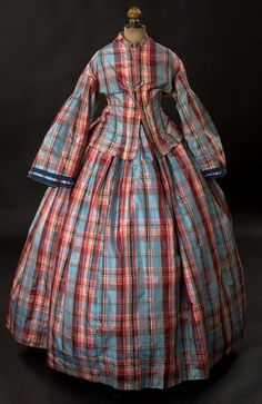1860s dress via Woodland Farms Antiques.