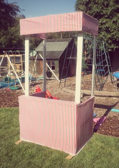 Pallet carnival stall. Practically free to make. Great for carnival themed parties or just fun in the garden or backyard. Ideal for games like ball and bucket and tin can alley.
