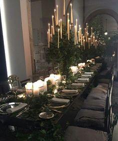 Halloween Table Settings, Vintage Halloween Decorations, Halloween Home Decor, Halloween House, Gothic Wedding Decorations, Halloween Weddings, Classy Halloween Wedding, Halloween Ideas, Halloween Party