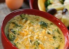 Recipe for Copycat TGI Fridays Broccoli Cheese Soup - TGIF's broccoli cheese soup is my husband's most favorite soup on the planet. He will go there JUST because of their soup. (Shredded Chicken On Stove) Chef Salad Recipes, Soup Recipes, Cooking Recipes, Cooking Hacks, Chili Recipes, Cheese Recipes, Yummy Recipes, Keto Recipes, Broccoli And Cheese Recipe