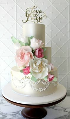 Featured Cake: Faye Cahill Cake Design