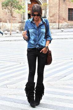 Chambray shirt + black skinnies + black fringe boots
