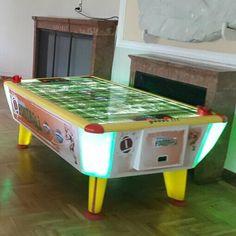 Jakar American Football léghoki asztal American Football, Poker Table, Stool, Furniture, Home Decor, Decoration Home, Football, Room Decor, Home Furnishings