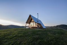 Gorgeous A-frame retreat is also off-grid - Curbed