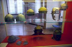 Capacetes romanos. Museu de Arqueologia, em Mainz, Alemanha.  Fotografia: SBA73.
