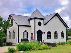 WIMBERLEY CHAPEL HOME EXTERIOR. TEXAS, USA - RENT IT FOR YOUR HOLIDAYS