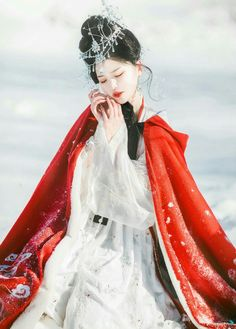 Memoirs Of A Geisha, High Fashion Photography, Dress Drawing, Chinese Clothing, Oriental Fashion, Chinese Culture, Hanfu, China Fashion, Bellisima