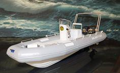 http://www.ebay.de/itm/RIB-RC-Festrumpfschlauchboot-Masstab-ca-1-20-Bausatz-GfK-eigene-Fertigung-/172018268428?hash=item280d16790c:g:tRoAAOSwpDdVTNbh