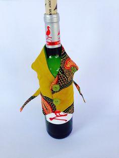 Gilet de bouteille de vin d'Ankara par AdinkraExpo sur Etsy https://www.etsy.com/fr/listing/250668242/gilet-de-bouteille-de-vin-dankara