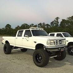 Big Ford Trucks, Cummins Diesel Trucks, Ford Diesel, Classic Ford Trucks, Chevy Trucks, Dodge Cummins, Ford Trucks For Sale, Powerstroke Diesel, Jacked Up Chevy