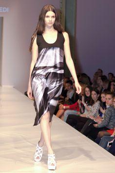 Elle Fashion, Fashion Show, Winter Season, Fall Winter, Spring Summer, Collection, Dresses, Design, Winter Time