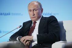 Russia prepares for huge war with West warns Ukraine