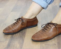 vintage brown leather shoes / oxford leather by PaintYourWagonShop