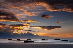 Pôr do sol na Praia de Bitupitá, Barroquinha, Camocim, Ceará - BRASIL