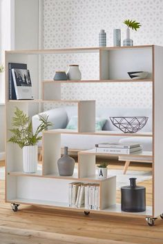 Woodman Raumteiler / Regal Sten auf Rollen Furniture I Fancy Accent Wall Designs, Accent Wall Decor, Accent Wall Bedroom, Room Divider Shelves, Alternative Flooring, Accent Walls In Living Room, Shelving, Home Accessories, Sweet Home