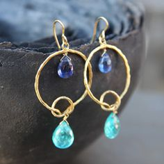 Boucles d'oreilles or et pierres fines bleues