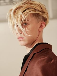 Undercut Styles, Undercut Women, Undercut Hairstyles, Shaved Undercut, Undercut Pompadour, Shaved Hair, Fade Haircut, Pixie Haircut, Men's Hair