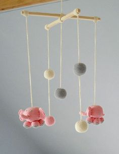 Baby Mobile - Pink Elephants - Crochet Hanging Crib Mobile - Kids room decoration - Perfect gift for baby Crochet Ball, Cute Crochet, Crochet Toys, Mobiles En Crochet, Crochet Mobile, Hanging Crib, Hanging Mobile, Yarn Projects, Knitting Projects
