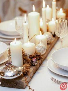 KARÁCSONYI DEKORÁCIÓK: Hófehérben pompázó karácsonyi asztal dekorációs ötletek