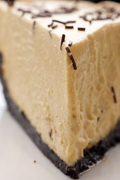 Store-bought salted caramel makes this Salted Caramel Icebox Pie a breeze to make and a pleasure to eat! - Bake or Break Frozen Desserts, No Bake Desserts, Just Desserts, Delicious Desserts, Dessert Recipes, Yummy Food, Icebox Desserts, Dessert Healthy, Pie Recipes