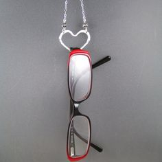 Vasos porta collar titular de gafas de sol gafas ojos plata Round Lens Sunglasses, Fake Glasses, Diy Jewelry Projects, Eyeglass Holder, Bijoux Diy, Glass Necklace, Jewelry Making, Shape, Sterling Silver