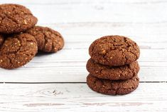 Kokosovo-kakaové sušenky Paleo, Cookies, Chocolate, Food, Crack Crackers, Biscuits, Essen, Beach Wrap, Chocolates