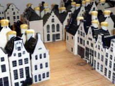 EXTREMELY OVER PRICED!! Much better deal straight from factory :) Collection of KLM BOLS DELFT blue Mini HOUSES (choice)